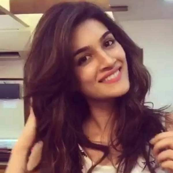 Check Out Kriti Sanons New Hair Cut In Pics