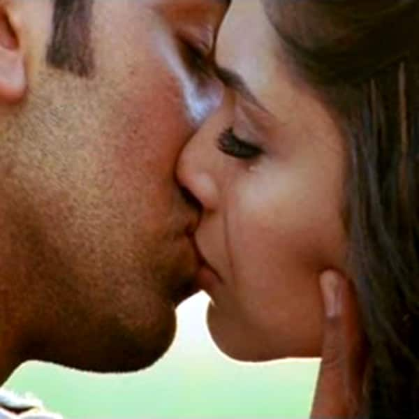 10 best kisses of Deepika Padukone