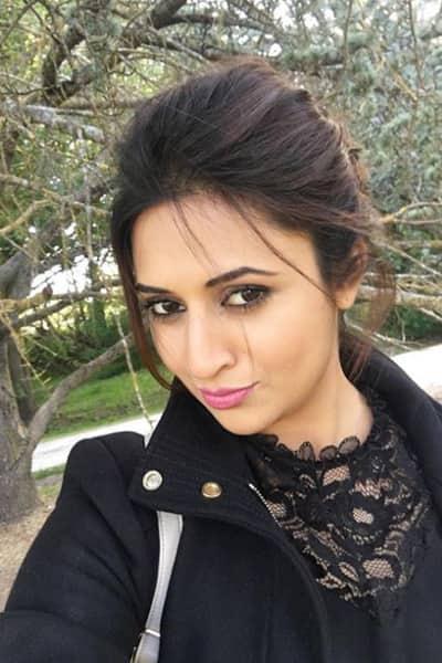 Divyanka Tripathi to Mouni Roy: Top 5 TV hotties followed on Instagram