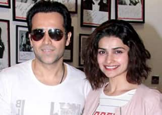 Emraan Hashmi and Prachi Desai promote 'Azhar' the sportsmen way!