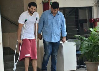 Even a broken leg doesn't stop Aditya Roy Kapur from posing for the cameras