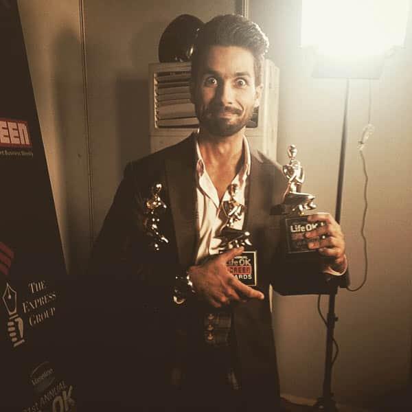 Haider actor Shahid Kapoor wins big at an award show!
