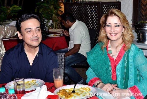 Hrithik Roshan, Kajol, Prithviraj Chavan at Zarine Khan's Iftar party
