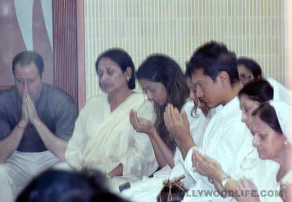 Jiah Khan prayer meet: Aamir Khan, Deepika Padukone, Prateik, Nagma, Ruslaan Mumtaz, Randhir Kapoor attend