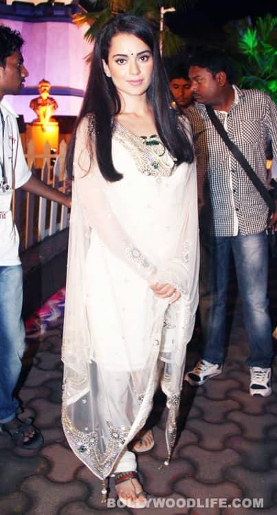 Kangna Ranaut and Tusshar Kapoor visit Tilak Nagar Ganpati