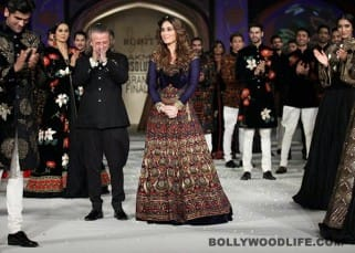 Kareena Kapoor Khan snapped with Rohit Bal during LFW 2016