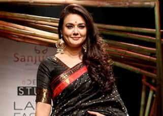 Lakme Fashion Week 2017: Preity Zinta's 'Desi Girl' avatar on the ramp stuns everyone