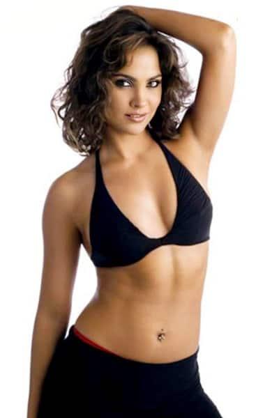 bikini Lara dutta hot