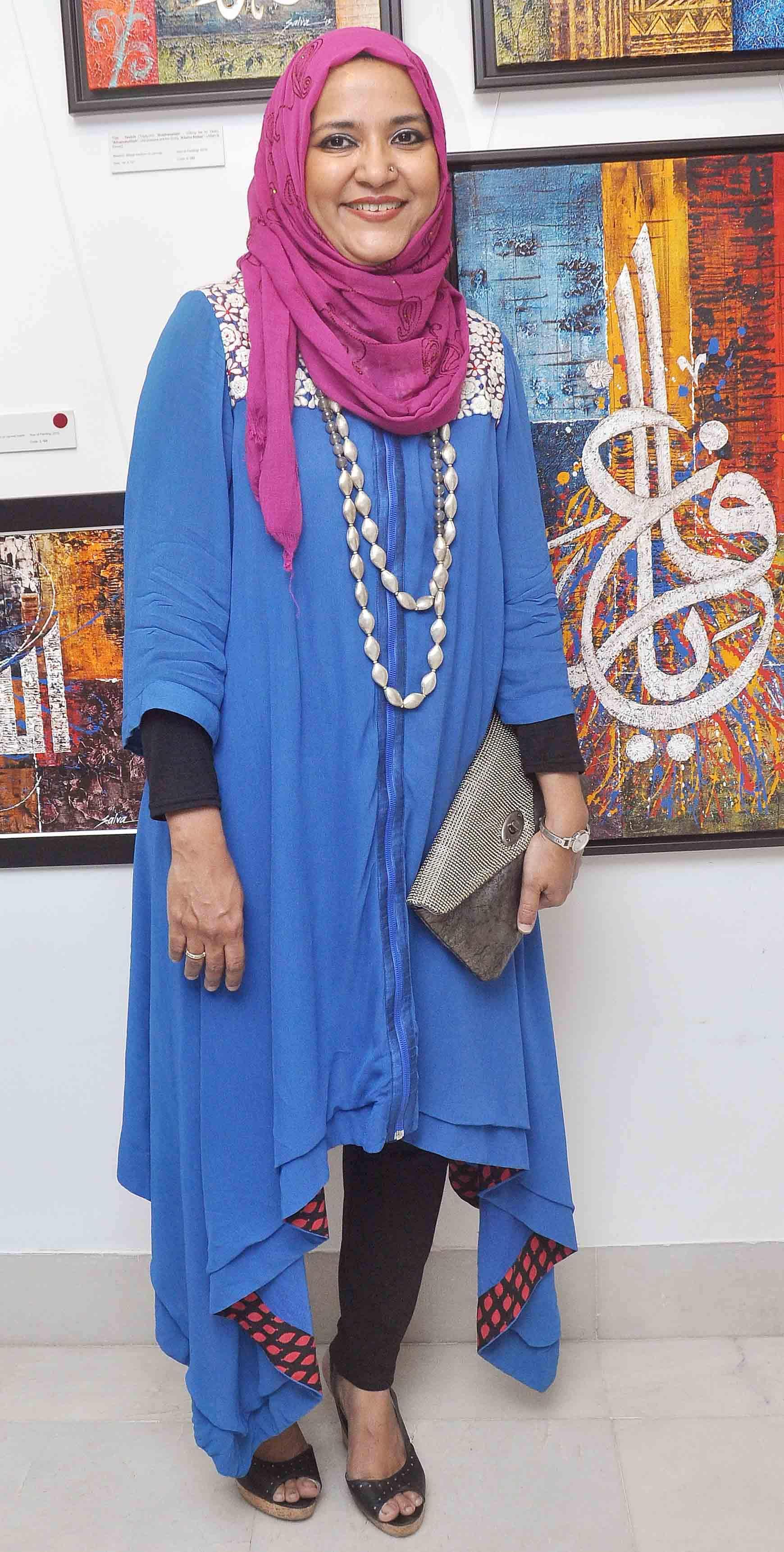 Mahesh Bhatt inaugurates art gallery!
