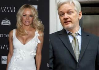 Pamela Anderson is dating WikiLeaks founder Julian Assange, meets him in sexy clothes