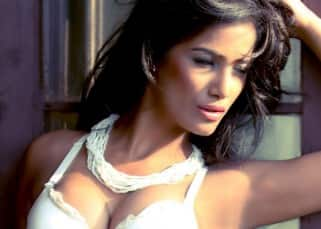 Poonam Pandey Hot & Sexy Photos