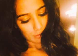 Poonam Pandey has a strip gift for Virat Kohli for his performance during India vs Australia T-20 match