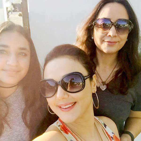 Paparazzi Selfie Preity Zinta  nudes (61 images), Twitter, cameltoe
