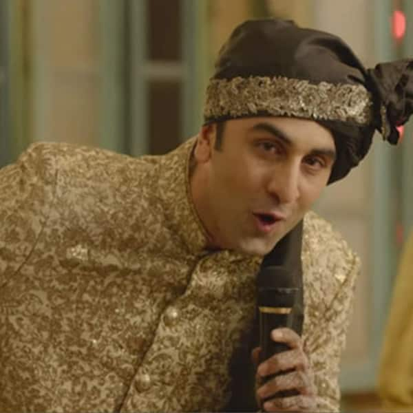 Ranbir Kapoor charms his lady love by singing Channa Mereya