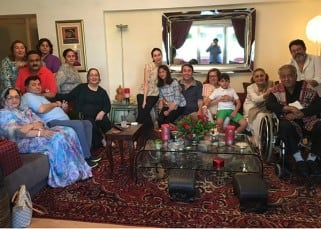 Rishi Kapoor shares family picture on Twitter