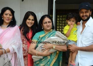 Riteish Deshmukh and Genelia D'Souza snapped with Riaan and the newborn baby