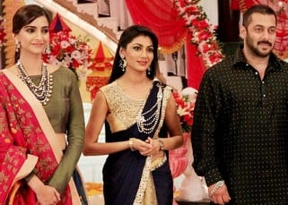 Salman and Sonam on the sets of Kumkum Bhagya to promote Kumkum Bhagya