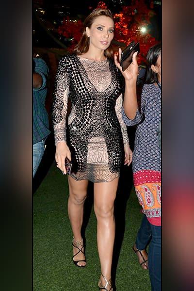Salman Khan's rumoured girlfriend Iulia Vantur walked the ramp for popular fashion brand Splash