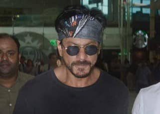 Shah Rukh Khan arrives in Mumbai to attend the last rites of Karim Morani's mother