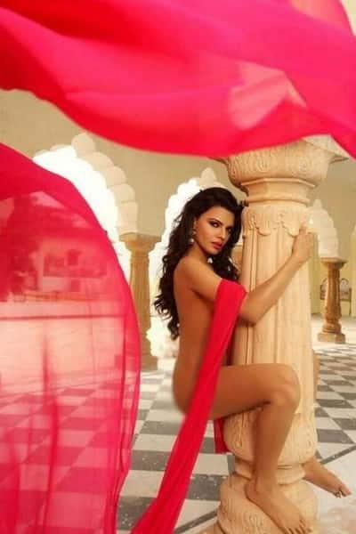 Sherlyn Chopras Hot Still From Kamasutra 3d