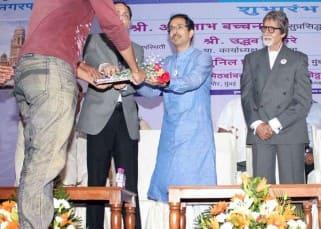 Shiv Sena chief Uddhav Thackeray felicitates Amitabh Bachchan!