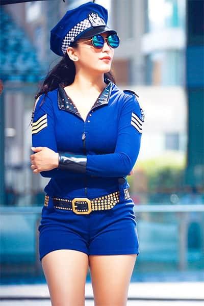 sexy Shruti Haasan
