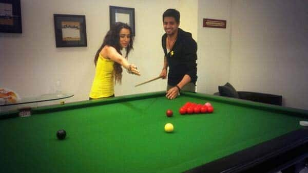 Sidharth Malhotra and Shraddha Kapoor freaking out while promoting Ek Villain