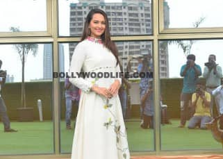 Sonakshi Sinha promotes 'Akira' on the sets of popular TV show 'Savdhaan India'!