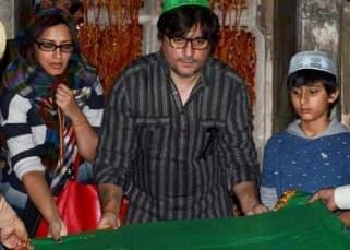 Sonali Bendre at Fatehpur Sikri dargah