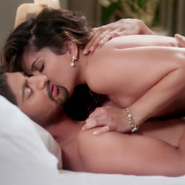 Agree Sunny leone in bed nude pics