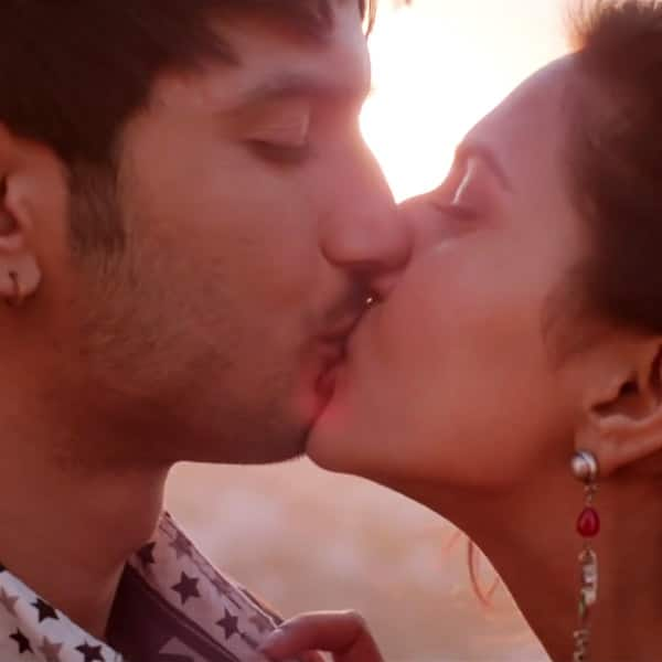 Pics that show Sushant Singh Rajput is the new serial kisser