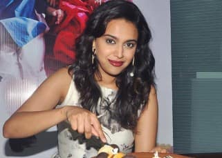 Swara Bhaskar celebrated her 29th birthday with 'Nil Battey Sannata' cast, view pics!