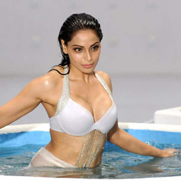 Sexy picture of bipasha basu