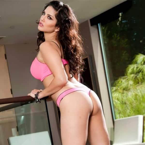 sunny leone nude fucking porn in bathroom