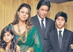 These pictures of Shah Rukh Khan beautifully trace the Khantastic journey of his family over two decades