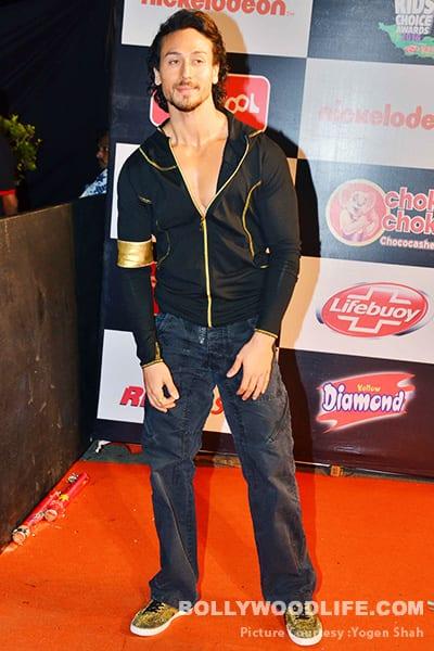 Divya khosla kumar flaunting deep cleavage - 5 5