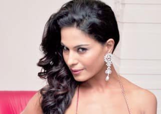 Veena Malik's sizzling photoshoot