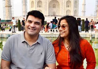 Vidya Balan poses with Sidharth Roy Kapur at Taj Mahal