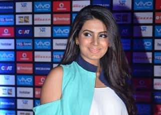 Was Geeta Basra trying to hide baby bump at Vivo IPL opening ceremony?