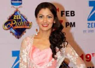 Zee Rishtey Awards 2016: Sriti Jha, Divyanka Tripathi, Shabbir Ahluwalia and other TV stars dazzle at the Red Carpet