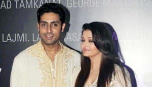 Amitabh Bachchan, Jaya, Abhishek, Aishwarya, and Shweta Nanda at B-Seventy art exhibition