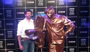 Yash Chopra's statue unveiled at UTV Stars Walk of Fame – Parineeti Chopra, Rani Mukerji, Shatrughan Sinha pay respect