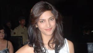 Shruti Haasan dines with Imran Khan and Manmohan Singh!