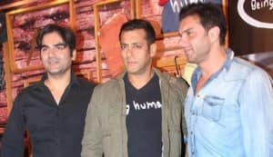 Salman Khan, Sohail, Arbaaz, Malaika Arora Khan at the Being Human store launch