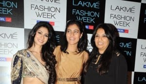 Kajol and Tanisha Mukherjee make an appearance at the Payal Singhal Show at the 'Lakme Fashion Week 2012′