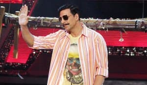 Akshay Kumar sympathises with Shahrukh Khan and Saif Ali Khan