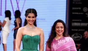 Sonam Kapoor and Hema Malini at the inaugration of India International Jewellery Week 2012