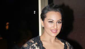 Sonakshi Sinha says 'KHAMOSH!! My father is hale and hearty and at home'