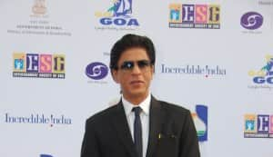 Shahrukh Khan offers to strip in Goa!