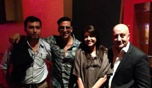 In Focus: Akshay Kumar bonds with Special 26 team!